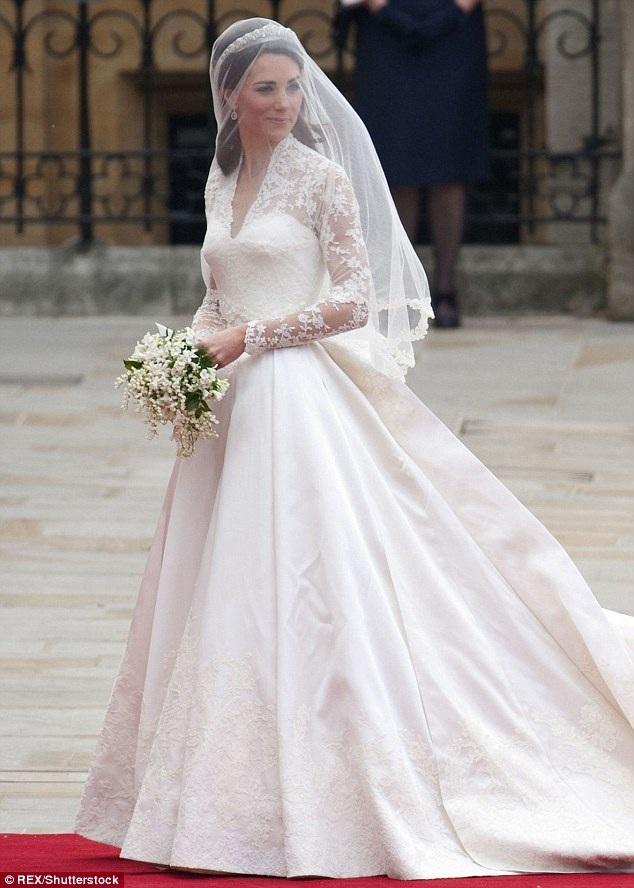 Công nương nước Anh Kate Middleton và chiếc váy cưới để lại dấu ấn mạnh mẽ với người hâm mộ vào năm 2011