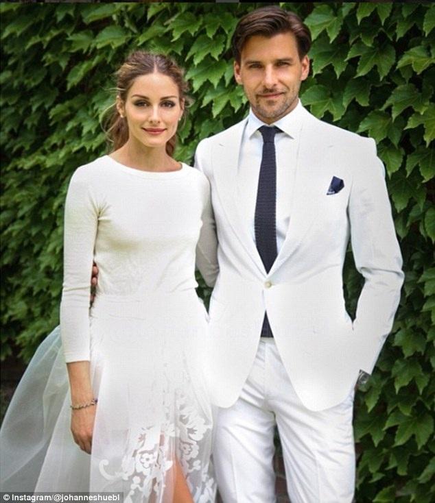 Biểu tượng thời trang Olivia Palermo rất nữ tính và thanh lịch trong bộ váy cưới của Carolina Herrera