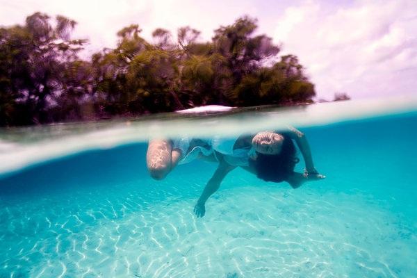 Kỳ thú những tư thế yoga trong lòng đại dương - 4