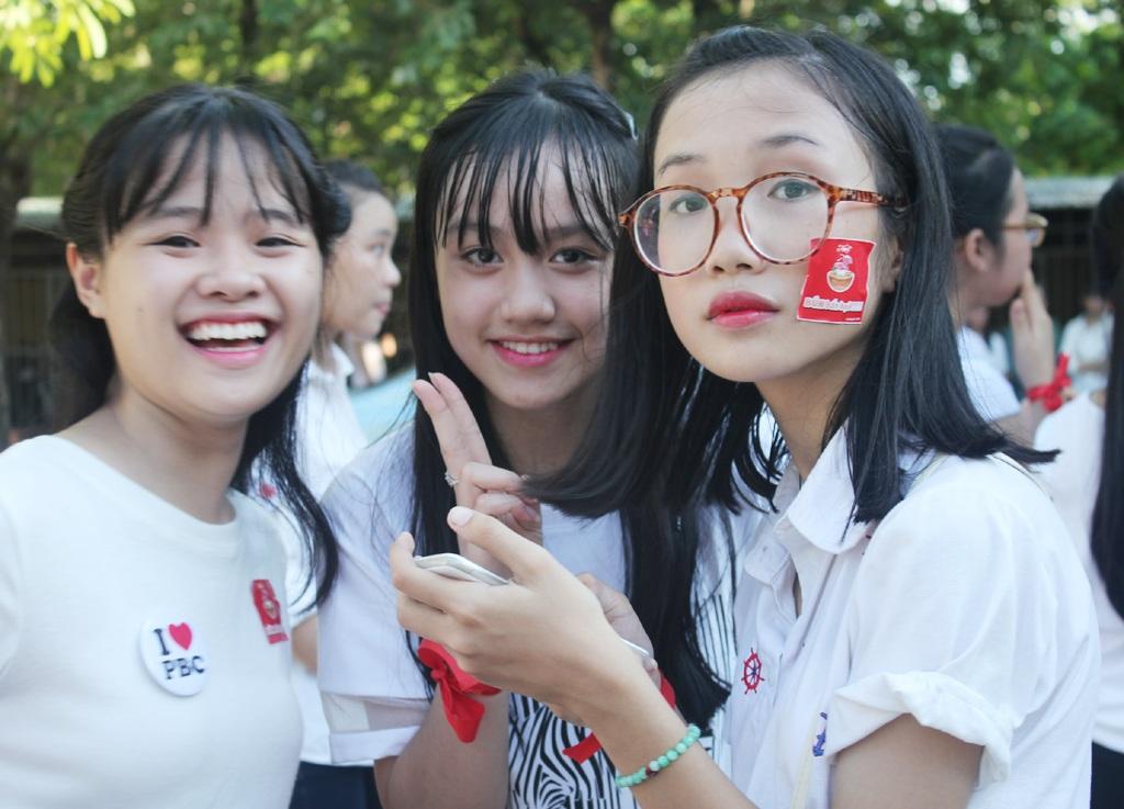 anh2-teen-phan-boi-chau-nhap-truong-6092015-1441497109225