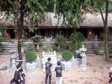 Hàng năm chùa đón hàng nghìn lượt du khách tới thăm và vãn cảnh.