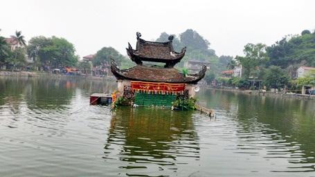 Vẻ đẹp thơ mộng của chùa Thầy những ngày đầu đông.