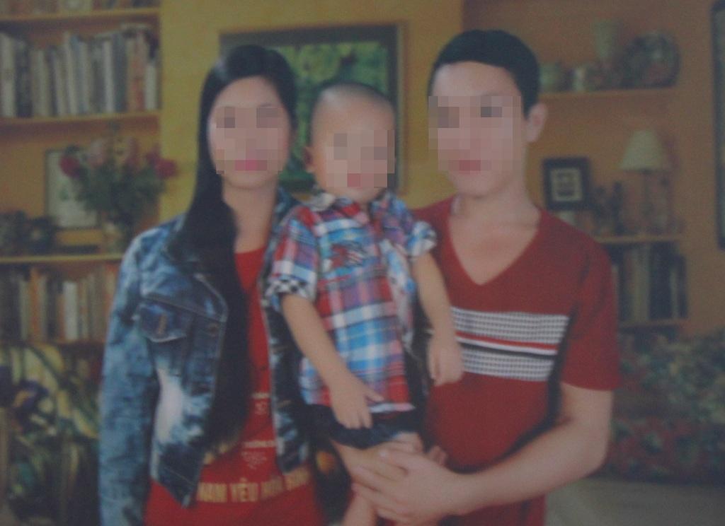 Chồng bị nhiễm HIV sau một lần sỹ diện chích chung kim tiêm với người nghiện, Lữ Thị H. cũng bị lây nhiễm căn bệnh thế kỷ từ chồng.