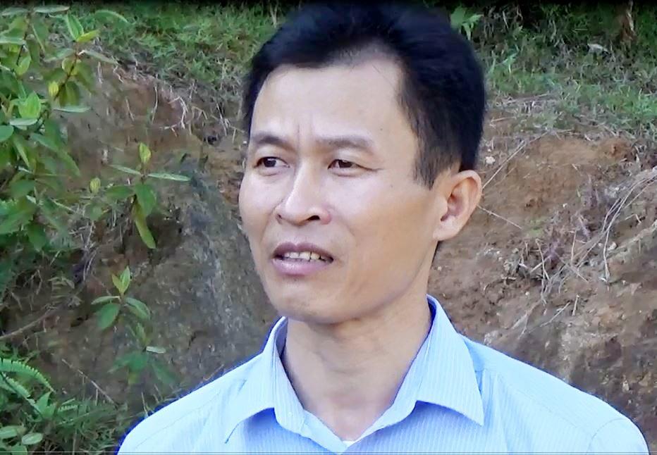 Ông Sầm Văn Lâm - Trưởng phòng kiểm soát dịch bệnh HIV/AIDS Trung tâm y tế huyện Quế Phong: Lũy tiến đến nay, Quế Phong có khoảng 1.700 người nhiễm HIV, hiện có hơn 700 người đang điều trị ARV tại Trung tâm y tế huyện.