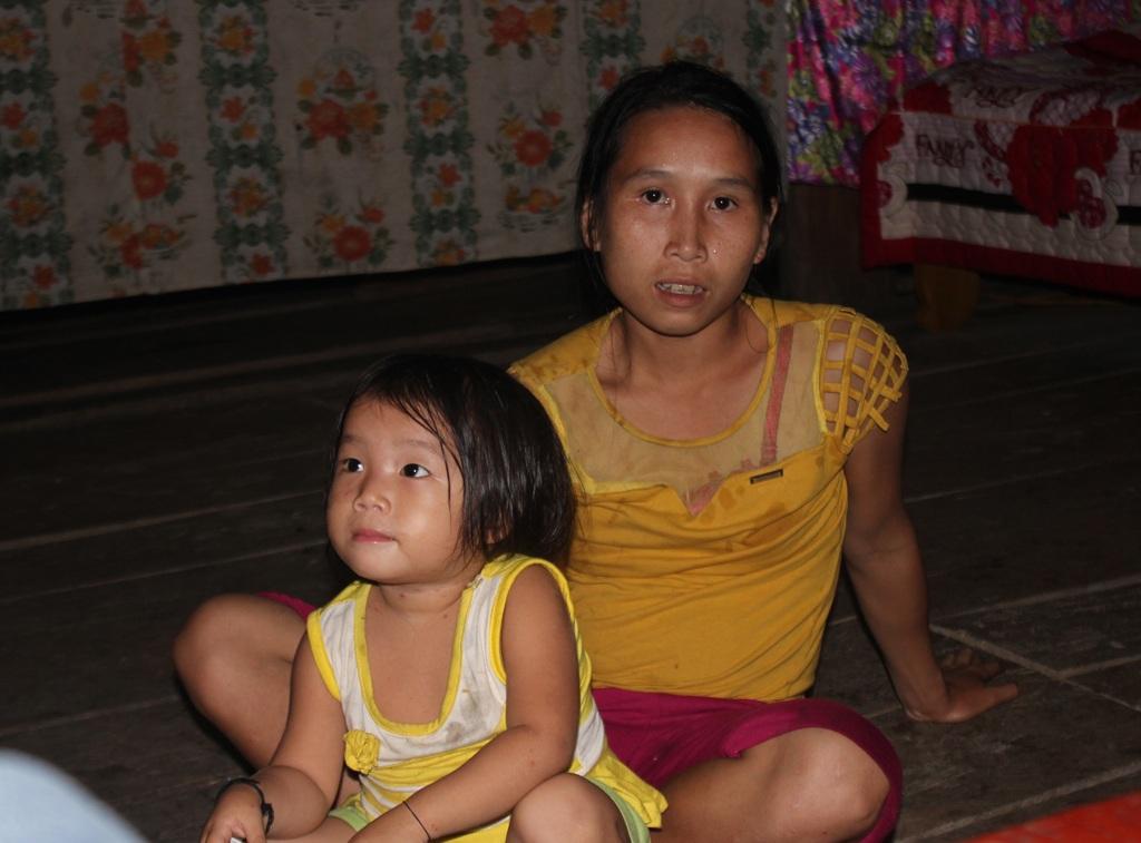 Vợ của Lương Văn D. là một trong ít phụ nữ không bị lây nhiễm HIV từ chồng nhờ được bác sỹ tư vấn.