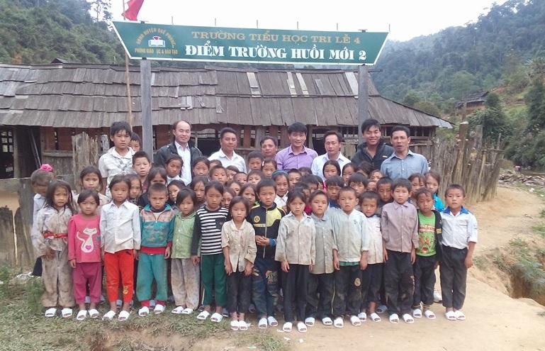 Thầy giáo trẻ luôn trăn trở về sự nghiệp giáo dục ở vùng cao, vùng biên giới.