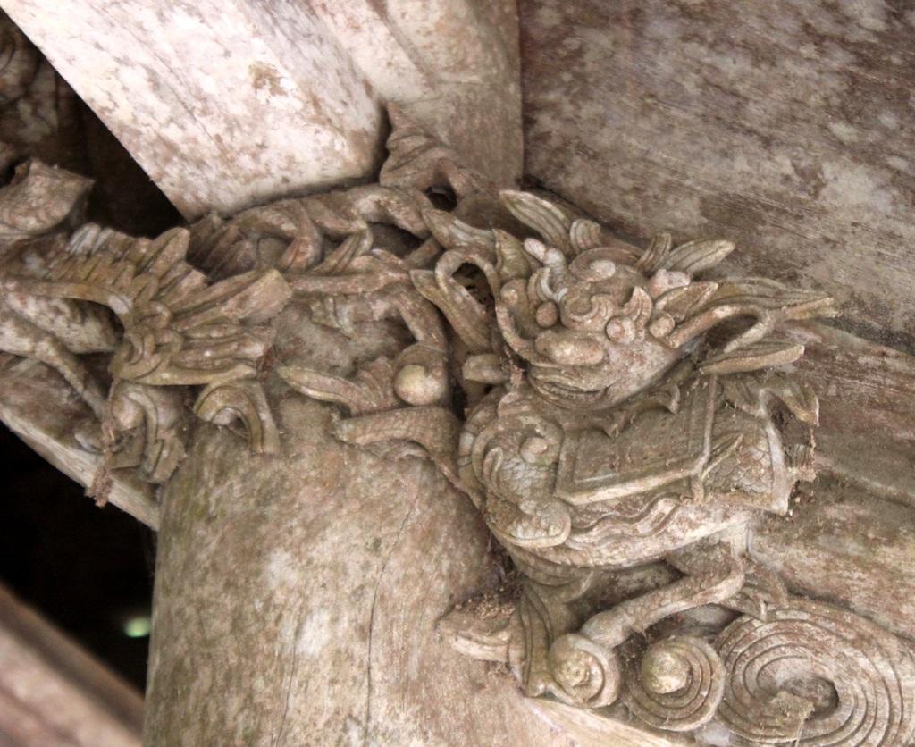 Tính chất mạng chạm của Đền Rậm được đánh giá như một kế thừa trực tiếp từ nghệ thuật dân dã đỉnh cao ở cuối XVII.