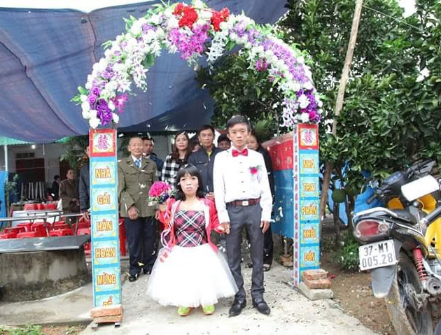 Lê Văn Công và Nguyễn Thị Xuân trong ngày cưới (ảnh nhân vật cung cấp).