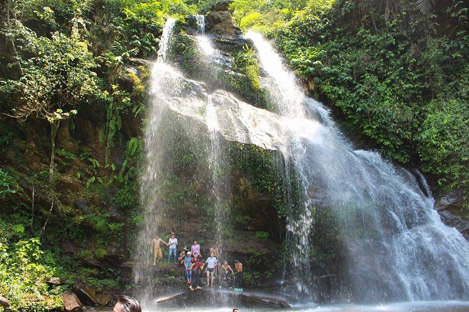 Khám phá vẻ đẹp của thác Sai Mưa.