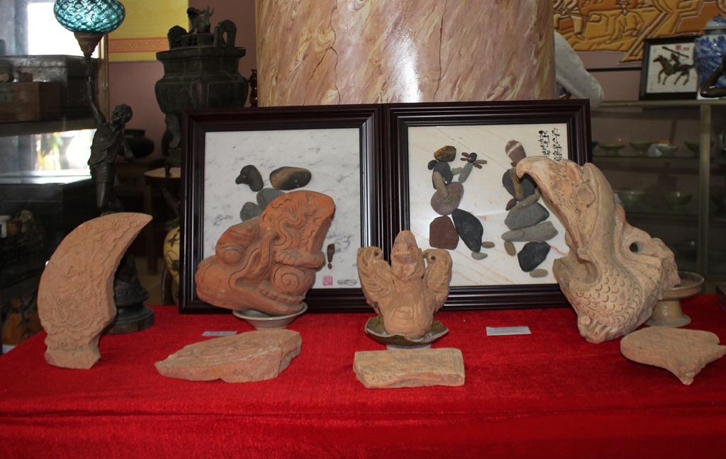 Nhiều hiện vật bằng gốm hết sức tinh xảo.