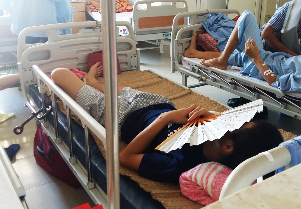 Nghi can Vi Văn Thắng đang được điều trị tại Bệnh viện đa khoa Nghệ An và được canh giữ nghiêm ngặt.