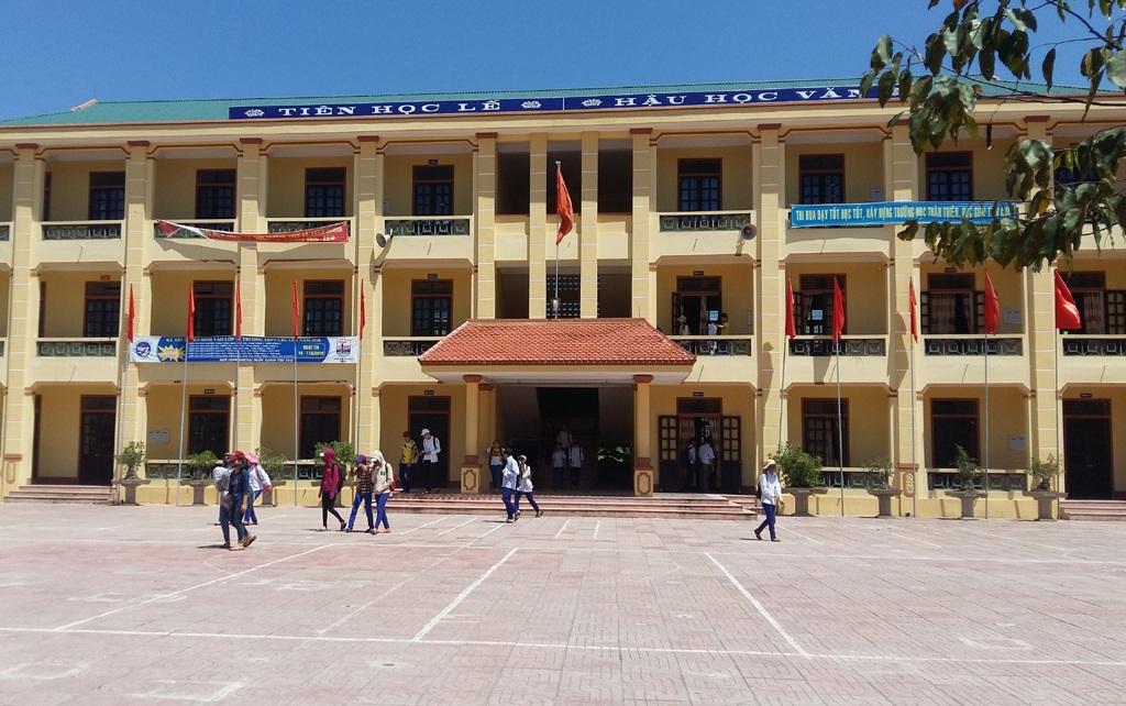 Trường THCS Hồ Xuân Hương sẽ cộng 2,5 điểm vào tổng điểm xét tuyển đối với thí sinh biết bơi và bơi được 21m.