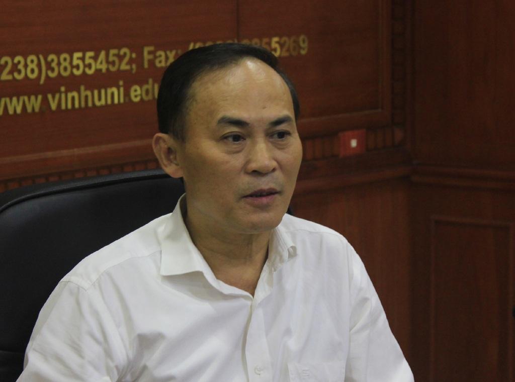Tiến sỹ Nguyễn Xuân Bình – Trưởng phòng GD-ĐT Trường ĐH Vinh trả lời các phóng viên báo chí về kết quả kiểm tra các bài thi của thí sinh N.S.H. Kết quả chấm thi hoàn toàn đúng với kết quả bài làm của thí sinh, ông Bình cho hay.