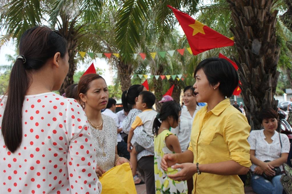 Phụ huynh Trường tiểu học Nguyễn Trãi (TP Vinh, Nghệ An) vẫn còn nhiều băn khoăn về mô hình trường học mới - VNEN.