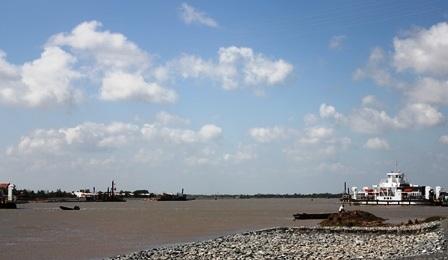 Tàu trọng tải lớn vào sông Hậu sẽ góp phần thúc đấy phát triển kinh tế vùng ĐBSCL