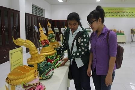Độc đáo mặt nạ, mão trong sân khấu dân gian của đồng bào Khmer - 3