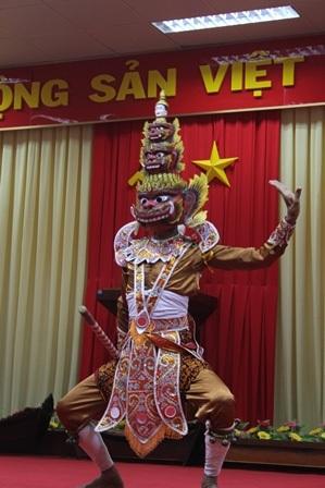 Độc đáo mặt nạ, mão trong sân khấu dân gian của đồng bào Khmer - 5