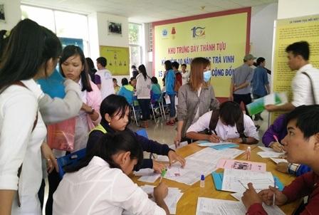 Thí sinh đăng ký dự tuyển tại Trường Đại học Trà Vinh.