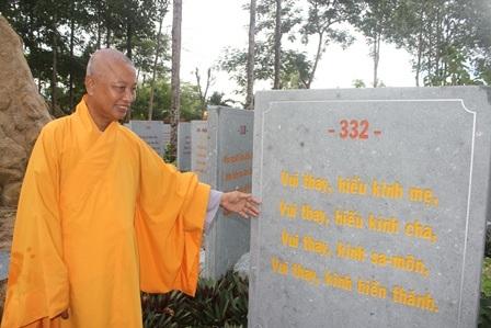 """Về Vĩnh Long chiêm ngưỡng vườn kinh bằng đá """"độc nhất vô nhị"""" ở chùa Phước Hậu - 2"""