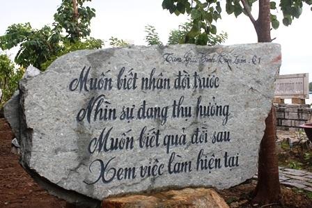 """Về Vĩnh Long chiêm ngưỡng vườn kinh bằng đá """"độc nhất vô nhị"""" ở chùa Phước Hậu - 10"""