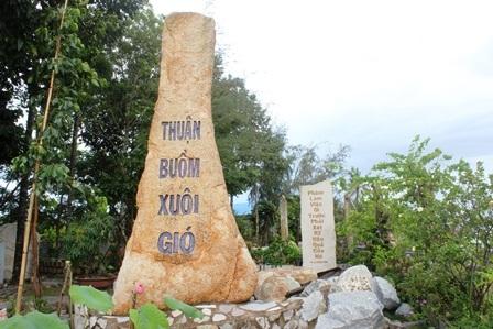 """Về Vĩnh Long chiêm ngưỡng vườn kinh bằng đá """"độc nhất vô nhị"""" ở chùa Phước Hậu - 12"""