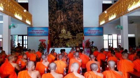Trường Trung cấp Pali - Khmer khai giảng năm học mới.