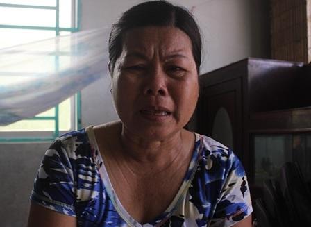 Bà Dung kể về hoàn cảnh của đứa cháu tội nghiệp.