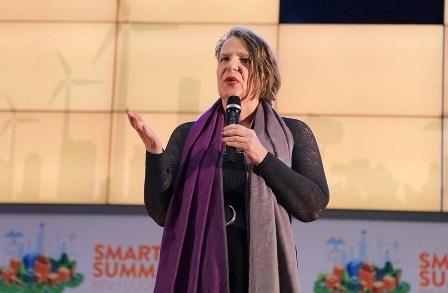 """""""Có quá nhiều thách thức buộc chúng ta phải thay đổi cách vận hành. Nhưng mọi thay đổi suy cho cùng cũng chỉ là phục người dân được tốt hơn"""", bà Mary Ann Schreurs nói"""