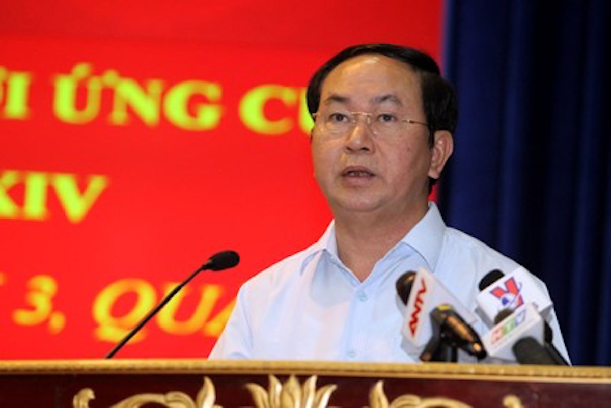 Chủ tịch nước Trần Đại Quang trò chuyện với bà con cử tri TPHCM