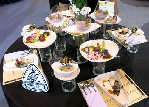 Bàn tiệc của đội 23 - Nhà hàng Thiên Hương, giải nhất