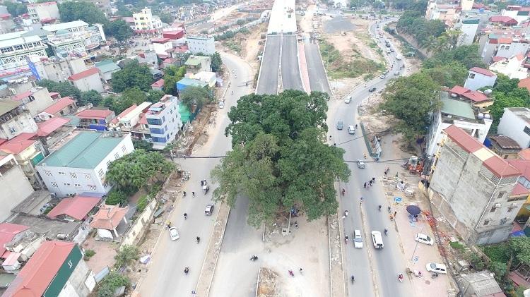 Để phục vụ dự án đường nối từ Nhật Tân về Cầu Giấy, Hà Nội phải giải phóng trên 1.500 hộ dân, trong đó có cả những cơ quan tổ chức và các công trình văn hóa.