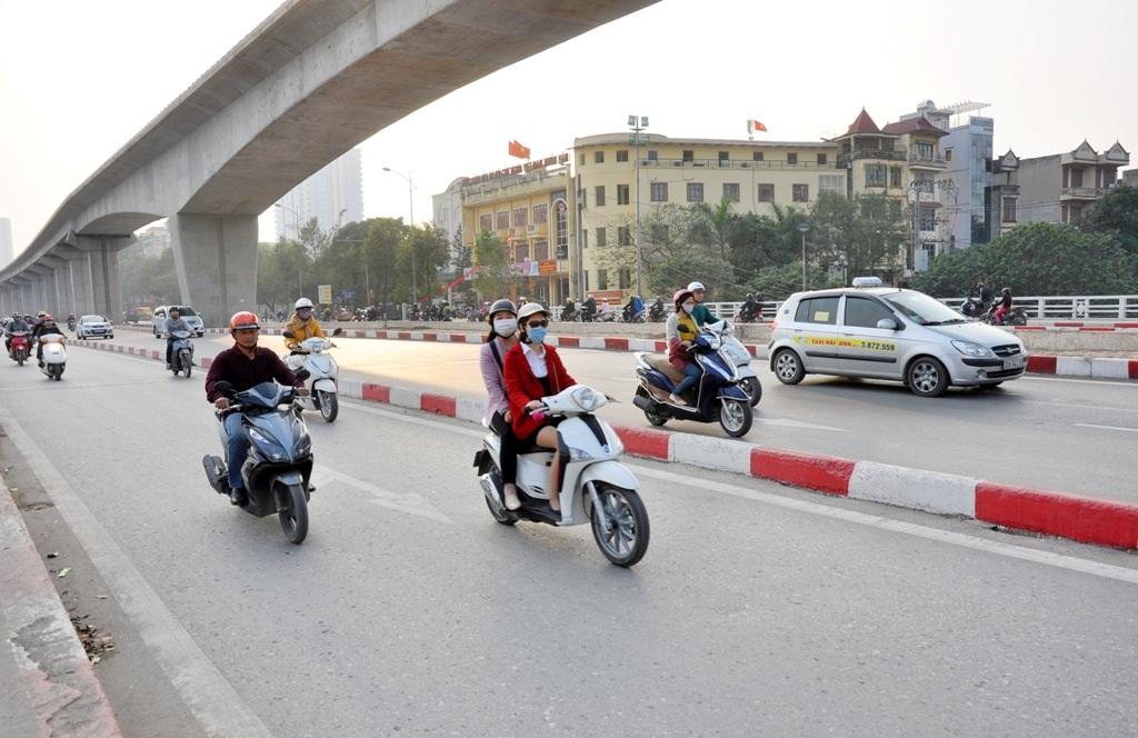 Việc lắp đặt gờ phân cách cứng vô tình lại trở thành các bẫy giao thông.