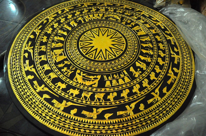 Một sản phẩm được mạ vàng được làm bởi bàn tay của những người nghệ nhân làng Kiêu Kỵ.