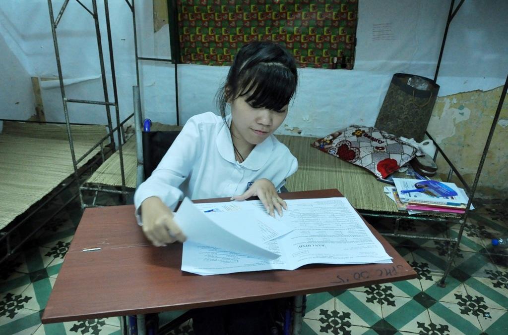 Hà Anh thích học tiếng Anh, em cho biết trong buổi thi Ngoại ngữ em làm được khoảng 80-90% bài thi