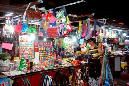 Khám phá những khu chợ đặc sắc ở Hội An - 12
