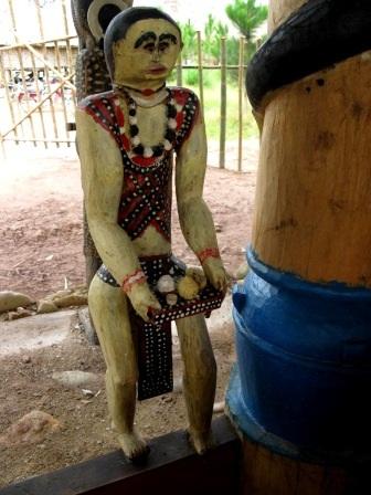 Độc đáo nghệ thuật điêu khắc gỗ của đồng bào Cơtu Quảng Nam - 1