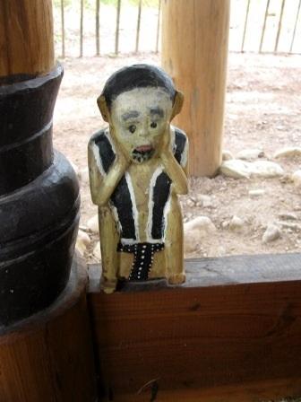 Độc đáo nghệ thuật điêu khắc gỗ của đồng bào Cơtu Quảng Nam - 4