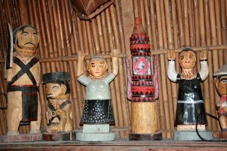 Độc đáo nghệ thuật điêu khắc gỗ của đồng bào Cơtu Quảng Nam - 11