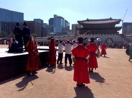 Tham quan Cung điện Hoàng gia Gyeongbok ở Hàn Quốc - 4