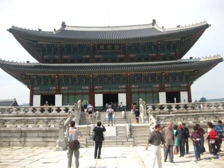 Tham quan Cung điện Hoàng gia Gyeongbok ở Hàn Quốc - 6
