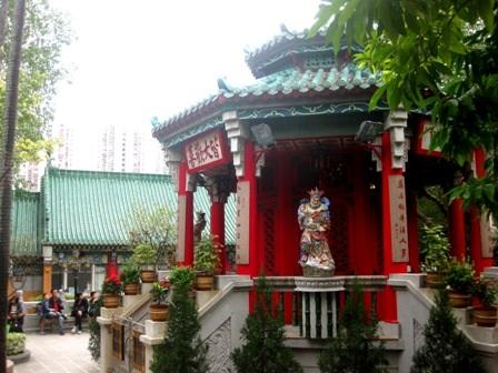 Đền Kwum Yum ở Vịnh Nước cạn