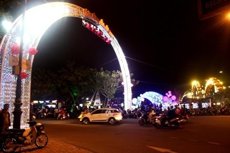 Đường phố Đà Nẵng về đêm