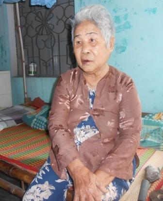 Dù Út Cường đã hy sinh nhưng hàng ngày, mẹ Ngò vẫn mong con trở về