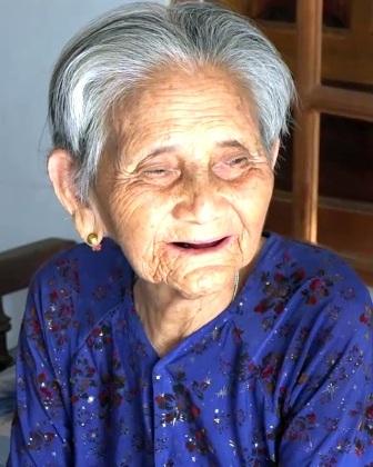 Cụ bà Lê Thị Ngữ, mẹ của bà Bậu