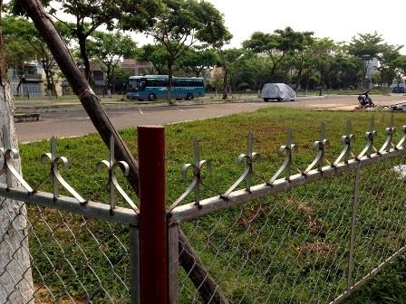 Vụ xén đất công viên xây bãi đỗ xe: Chủ đầu tư quá chây ỳ - 9