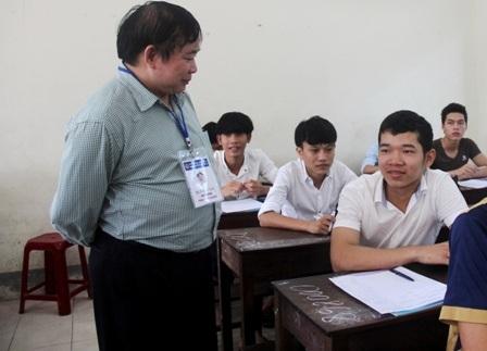 Thứ trưởng Bùi Văn Ga kiểm tra tại cụm thi 41 tỉnh Quảng Nam - 1
