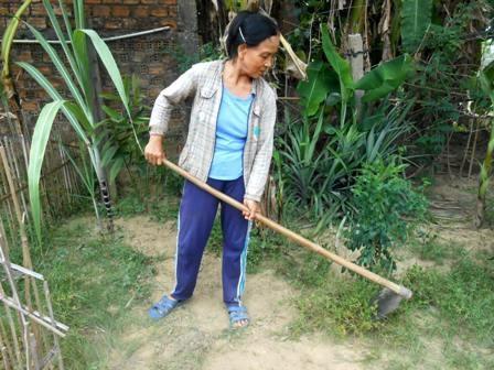 Cô Lài bên công việc hằng ngày