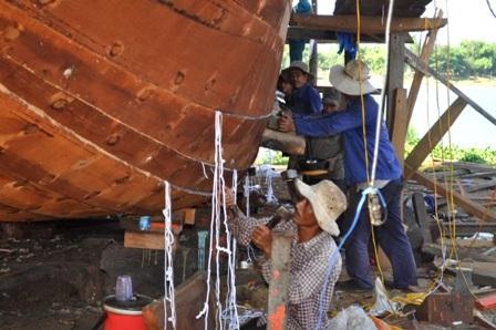Tàu đảm bảo gỗ tốt, đảm bảo tiêu chuẩn kỹ thuật