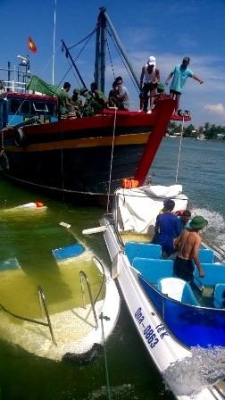 3 ca nô du lịch cùng bị chìm trong đêm - 5