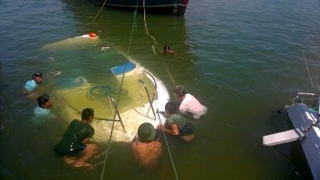 3 ca nô du lịch cùng bị chìm trong đêm - 4